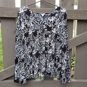 Black and White Size 18/20W Long Sleeve Top